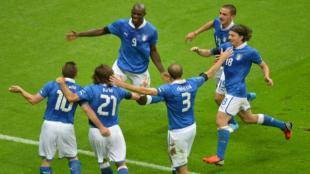 Balotelli lleva tres goles en el torneo, podría quedar como el máximo artillero. (AFP/ATV)